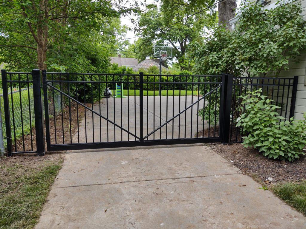 Ascot Driveway Gate Single