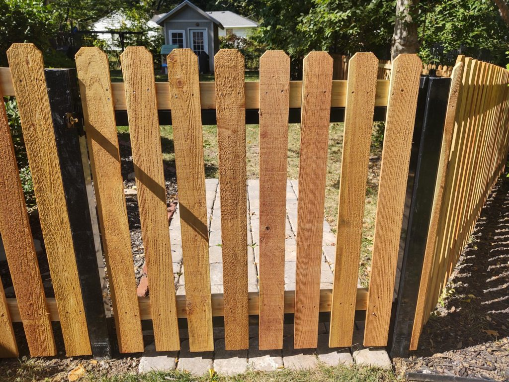4' wood spaced picket with postmaster posts